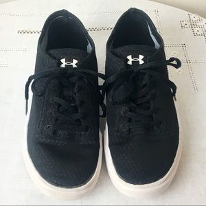 Under Armour 4Y Youth Fabric Lace-up Sneaker Shoes